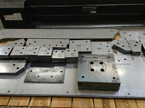 piece-laser-chariot-manutention-metal-s